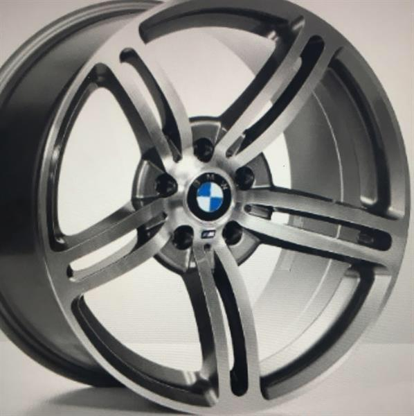 Used Factory BMW M Kit 21 Inch Rims - Used For 1 Day in Dubai, UAE