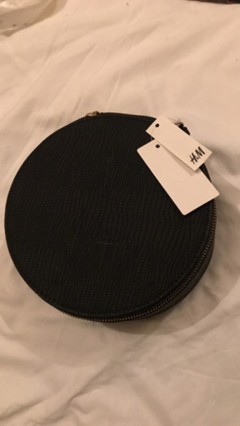 Used Makeup pouch / jewelry pouch by H&M in Dubai, UAE