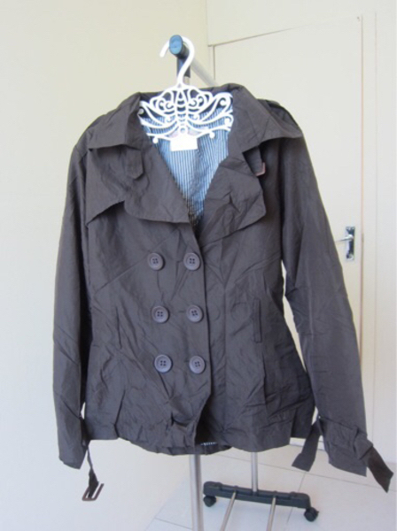 Used take all coats 5 pcs  in Dubai, UAE