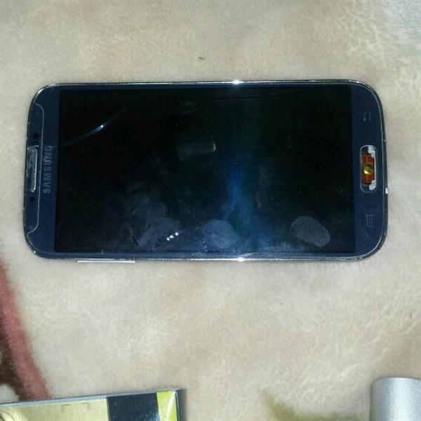 Used Samsung S4 .display Is Broken.mother Board Is Working Good in Dubai, UAE
