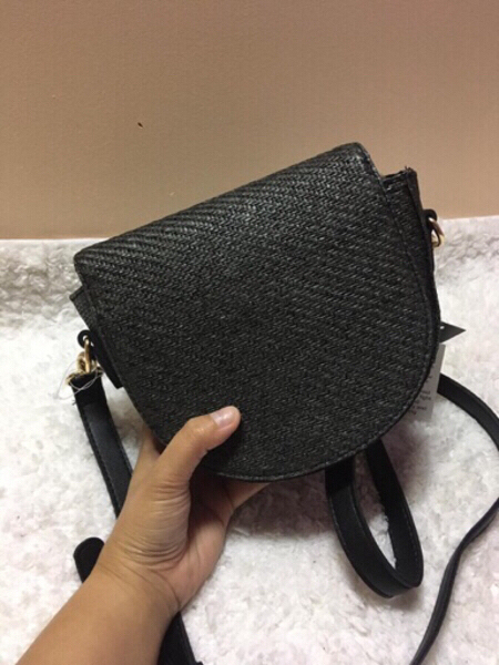 Used Papaya Straw Bag in Dubai, UAE