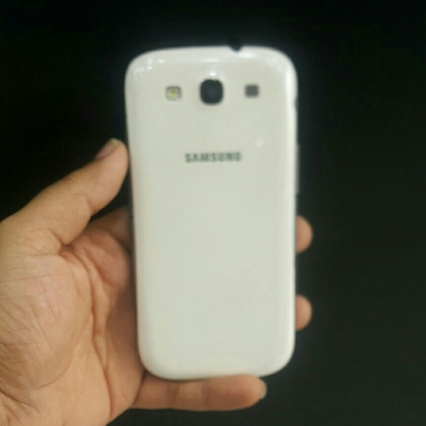 Samsung s3 white used almost 2 year
