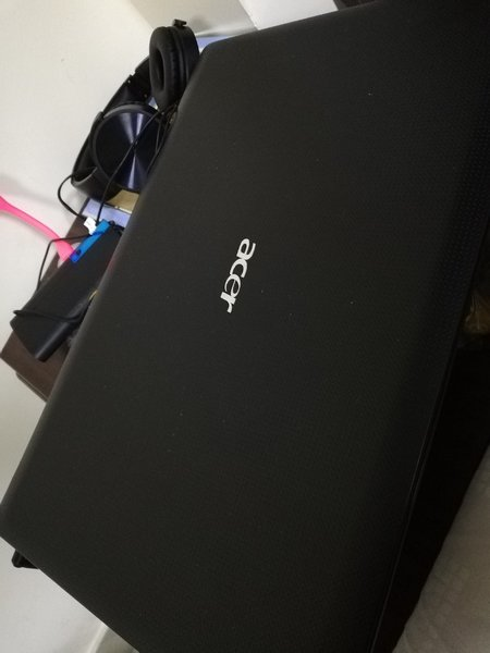 Used Acer i3 laptop in Dubai, UAE