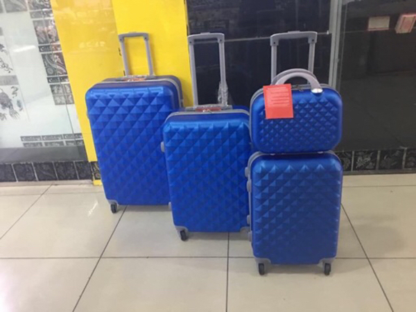 Used Trolley bag with beauty case in Dubai, UAE