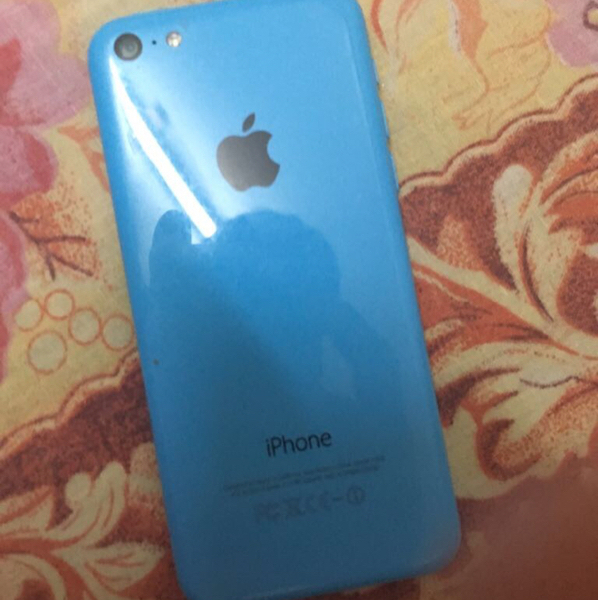 iPhone 5c 16 Gb Server Trouble .. Can Be Use As A Part Or Fixed