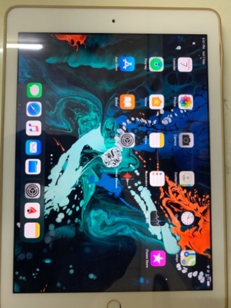 Used iPad 5th generation 32 GB in Dubai, UAE