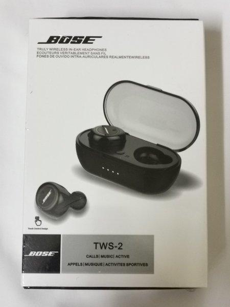 Used EARBUDS BOSE WITH CASE in Dubai, UAE