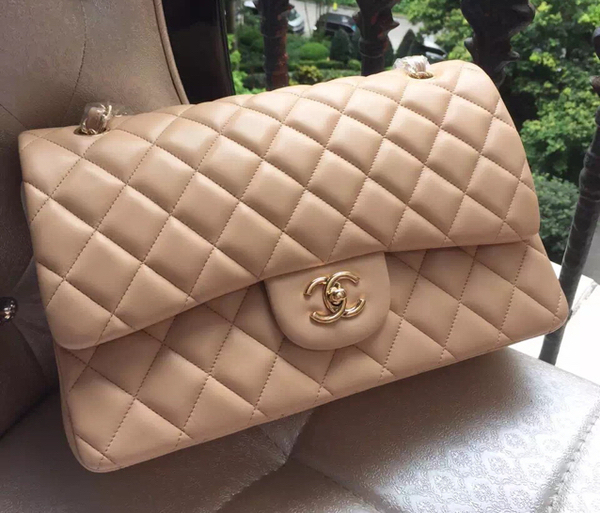 Used Preloved Chanel Jumbo Lambskin Flap Comes With Box And Dust Bag  in Dubai, UAE