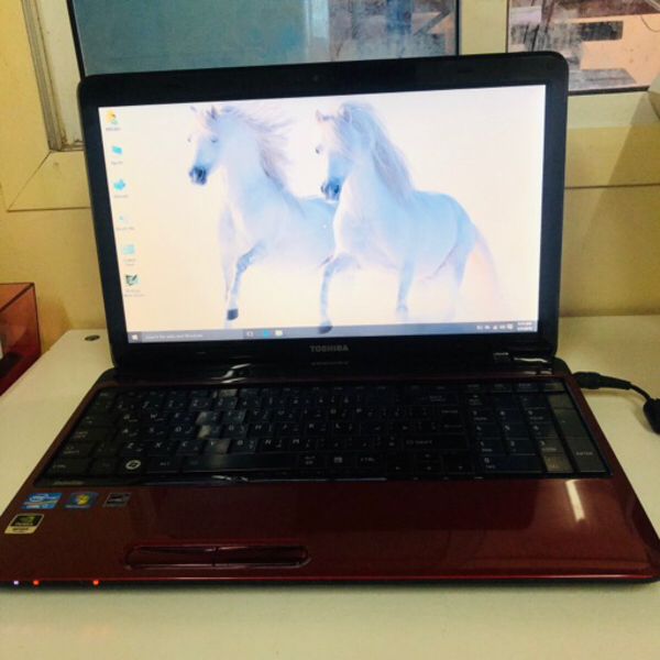 Used TOSHIBA i7 - Laptop in Dubai, UAE