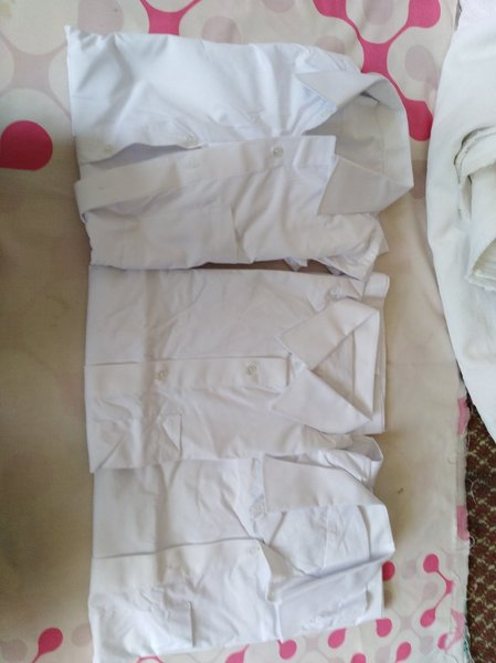 Used 3 pcs white shirt full sleev 16 color in Dubai, UAE