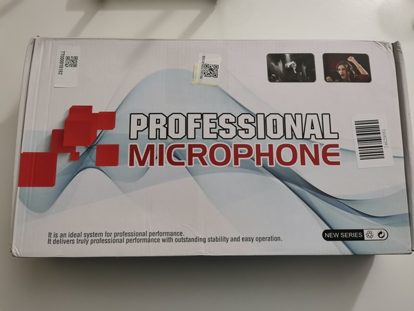 Used Microphone with Clip Stand in Dubai, UAE