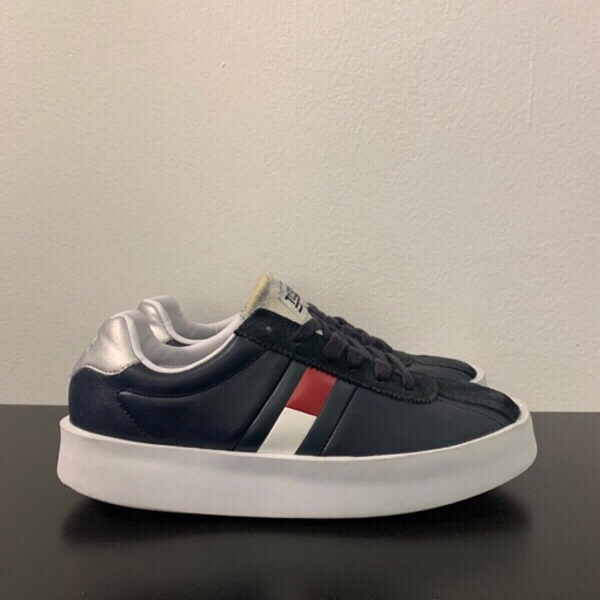 Used Tommy Jeans retro light sneaker in Dubai, UAE