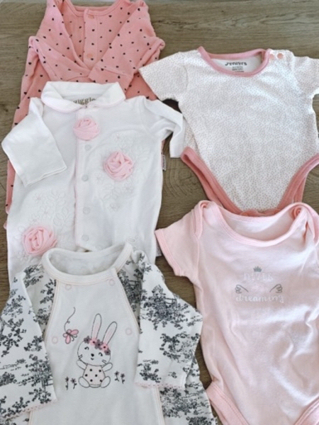 Used Clothes for a newborn girl 0-3 months in Dubai, UAE