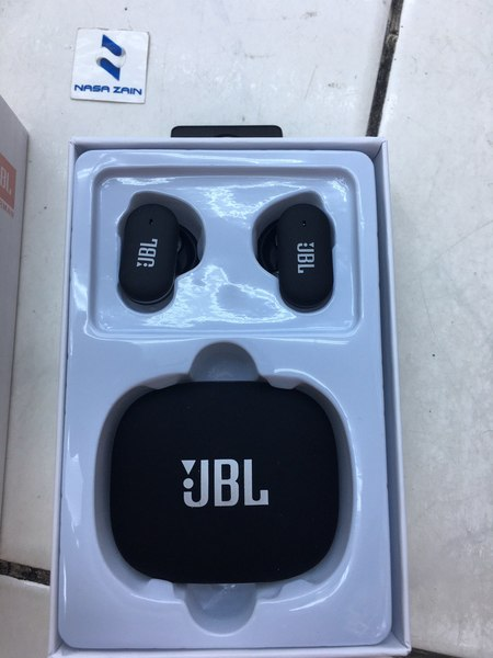 Used JBL 12 BLACK COLOUR in Dubai, UAE