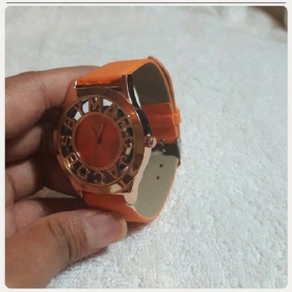 Used Orange Marc Jacobs watch .. in Dubai, UAE