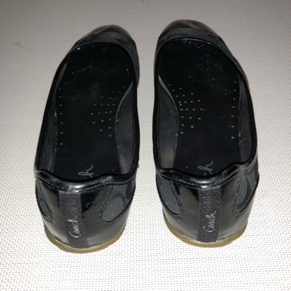 bundle of two black flats/office shoes