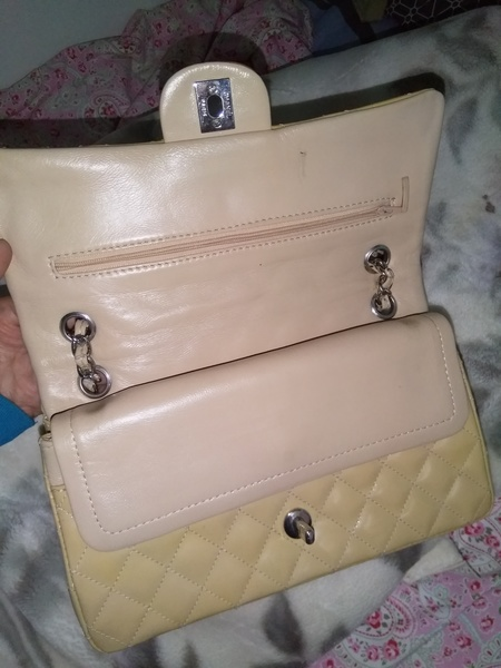 Used Original beige chanel quilted hand bag in Dubai, UAE