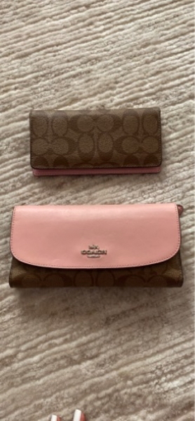 Used Coach women wallet pink signature in Dubai, UAE