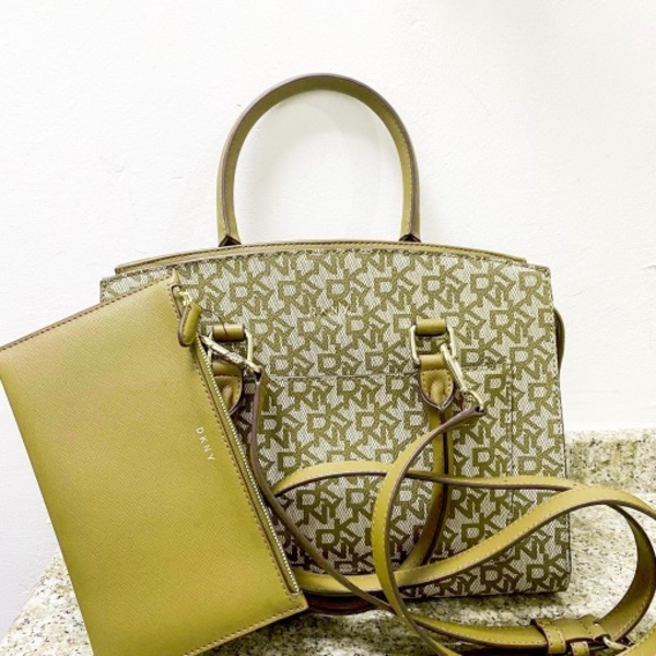 Used ; Bryanna Satchel Handbag w/ Wallet in Dubai, UAE