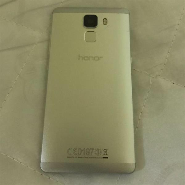 Huawei honor 7 very clean withe covers