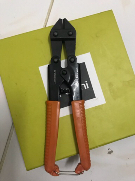 Used Wire stripper & bolt cutter in Dubai, UAE