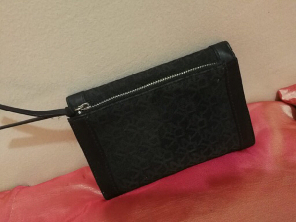 Used AUTHENTIC DKNY WALLET,PERFECT CONDITION. in Dubai, UAE