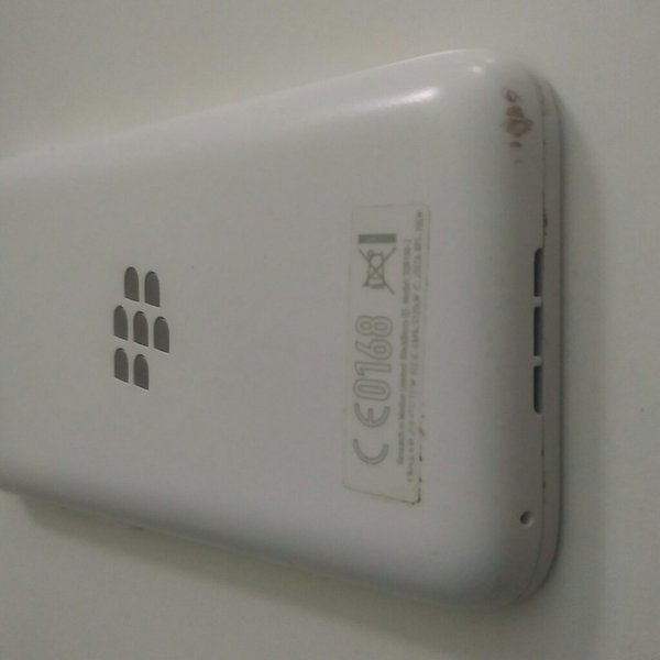 Used Blackberry Q5 white - used without box in Dubai, UAE