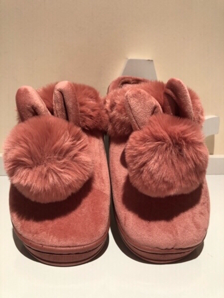 Used Cute slippers 40-41/27cm&2 Parfume spray in Dubai, UAE