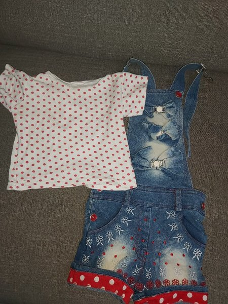 Used Bundle offer on Baby girl clothes in Dubai, UAE