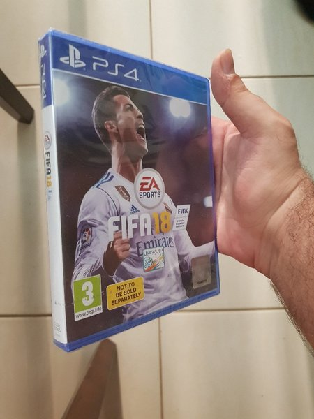 Used Fifa 18 Arabic Commentary in Dubai, UAE