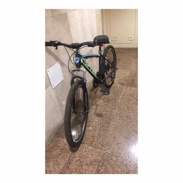 Used 💨 Cycle Matt Black And Green ! Often Brand! Littlr Repairs Inly  in Dubai, UAE