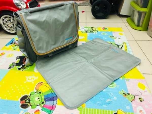 Used MEDCLINIC DAIPER BAG WITH MAT NEW in Dubai, UAE