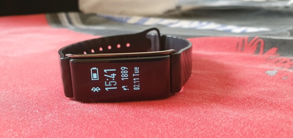 Used Huwaei color band A2( fitness tracker) in Dubai, UAE