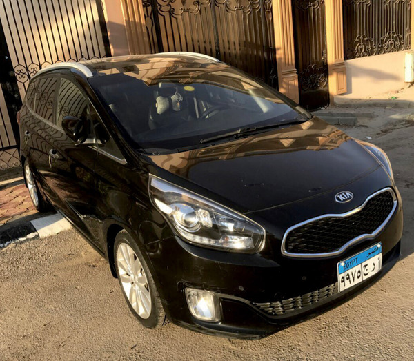 Used Kia Carenz 2015 in Dubai, UAE