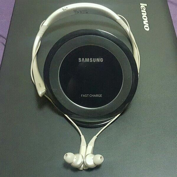 Samsung Level Pro U And Wireless Charger