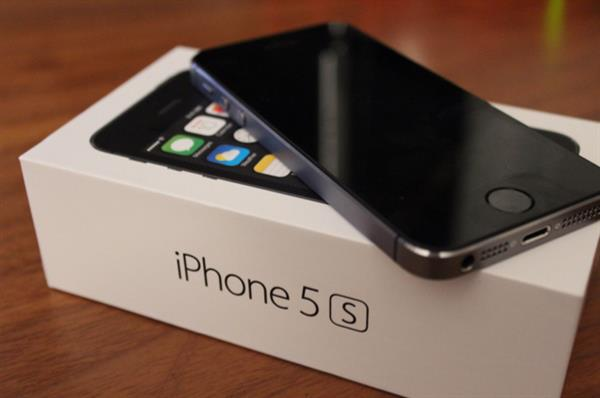 Used iPhone 5s Used Few Months But Like New in Dubai, UAE