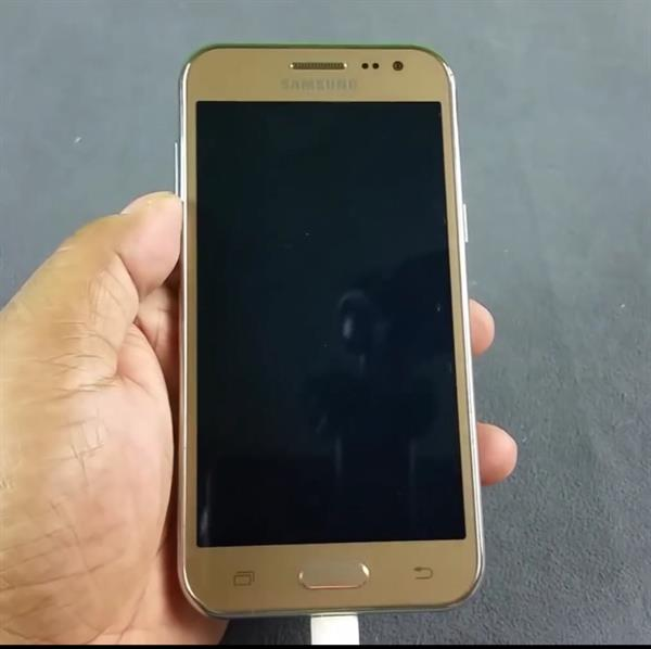 Used samsung j2 in Dubai, UAE