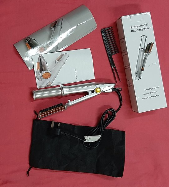 Used New rotating curling iron brush! in Dubai, UAE