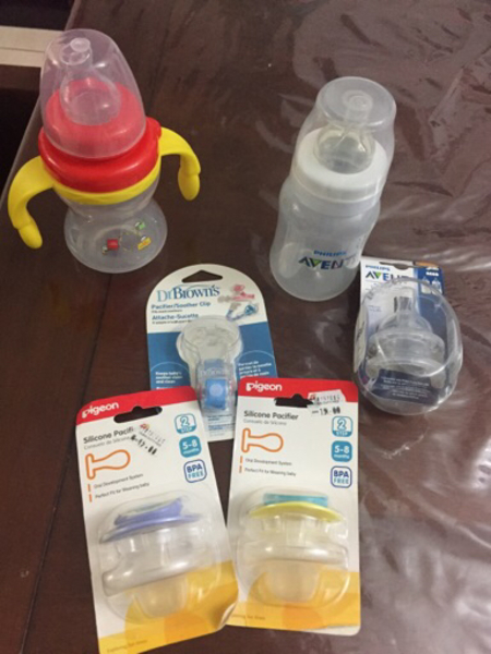 Used Avent bottles, nipples and pacifiers in Dubai, UAE