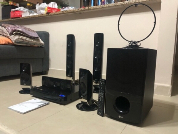 Used LG home theatr with remote 1000 Watts in Dubai, UAE