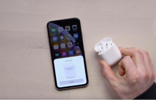 Used Wireless airpods green color with touch in Dubai, UAE