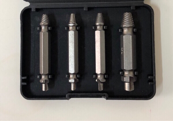 Used Screw extractor Kit ( 4 pcs ) in Dubai, UAE