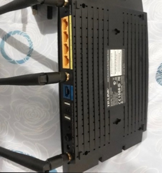 Used TP LINK WIRELESS ROUTER N900 in Dubai, UAE