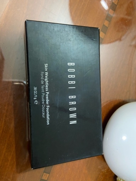 Used BOBBI BROWN powder foundation 💄 in Dubai, UAE