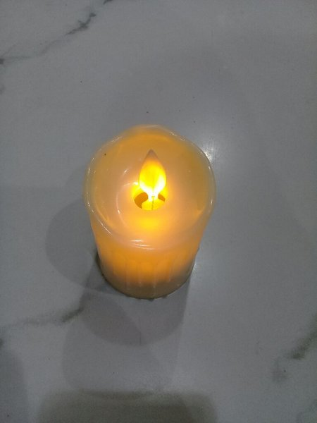 Used Yellow tea light candel in Dubai, UAE
