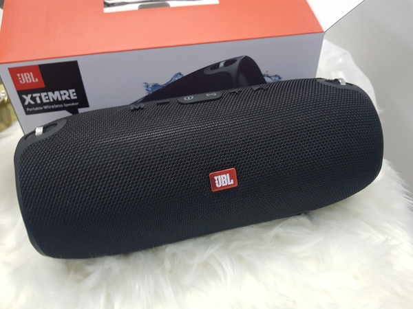 Used New speakers JbL black in Dubai, UAE