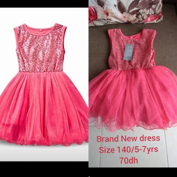 Used 3 brand new dresses size 140/6yrs in Dubai, UAE