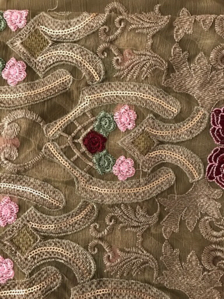 Used DiscountPrice Pakistani Embroidery suit  in Dubai, UAE