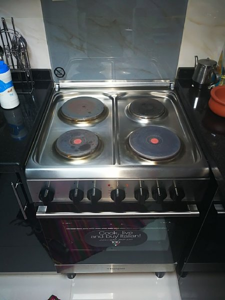 Used   BOMPANI  Electric cooking range..  in Dubai, UAE