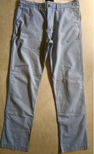 Used Abercrombie&fitch preloved men's pants in Dubai, UAE